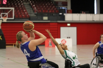 Mareike Adermann shooting two of her 32 points in the final of German national championships.
